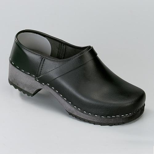 Dichte schoenklomp met houten zool